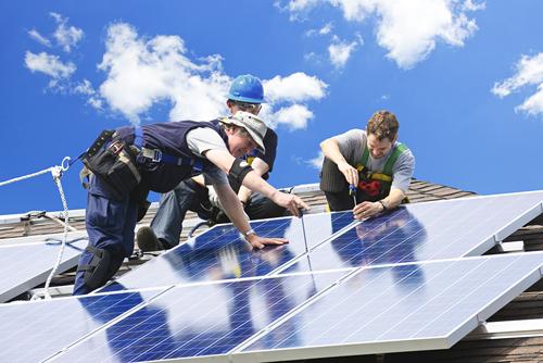 Sziget üzemű napelem rendszer szerelése