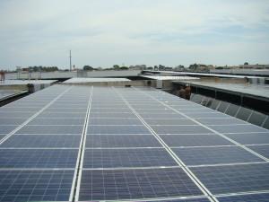 Napelem erőmű tetőre telepítve