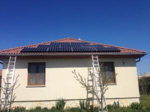 LG napelemek cseréptetőn